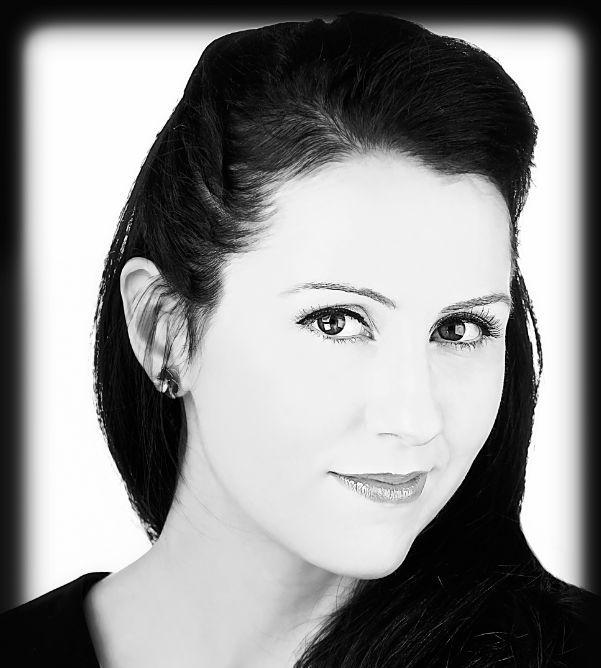 Emily Bennington Headshot_LoRes 2